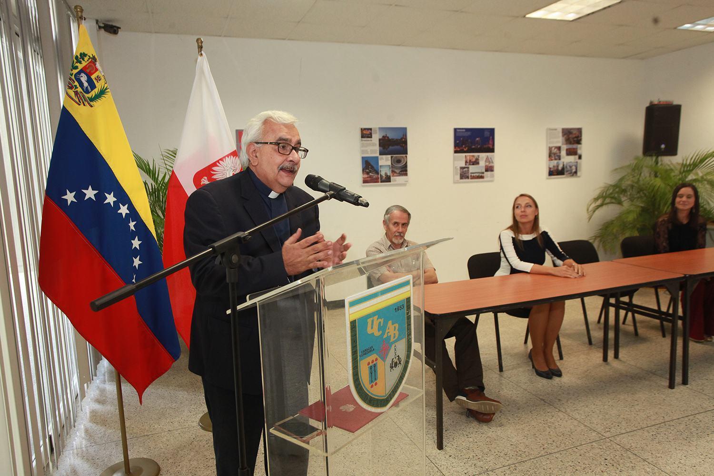 Polonia - UCAB. Rector