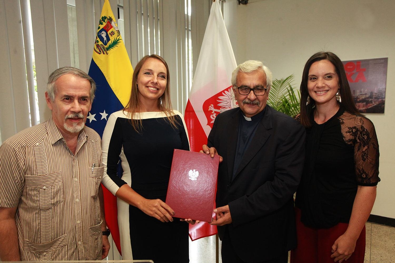 Polonia - UCAB (Autoridades)